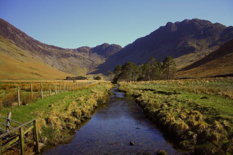 gestrecktes-gewässer-gewässergrundrisse-fluvial