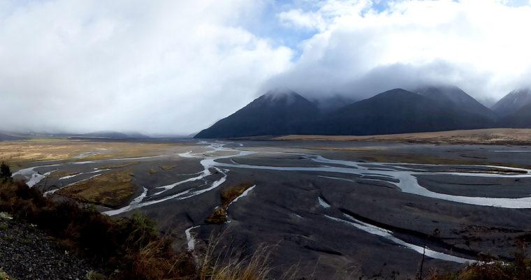 verzeigter-gewässergrundriss-braided-river